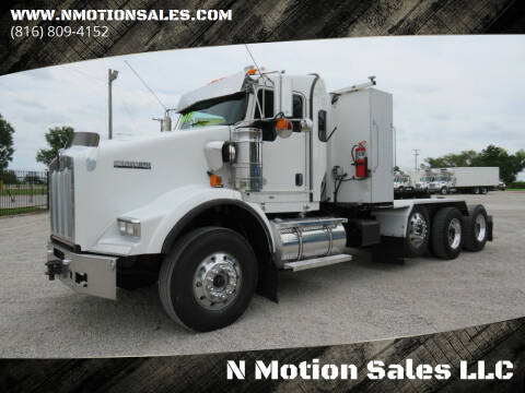2010 Kenworth T800 for sale at N Motion Sales LLC in Odessa MO