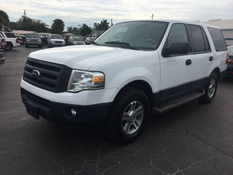 2010 Ford Expedition for sale at CAR-RIGHT AUTO SALES INC in Naples FL