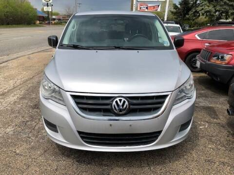 2011 Volkswagen Routan for sale at NORTH CHICAGO MOTORS INC in North Chicago IL