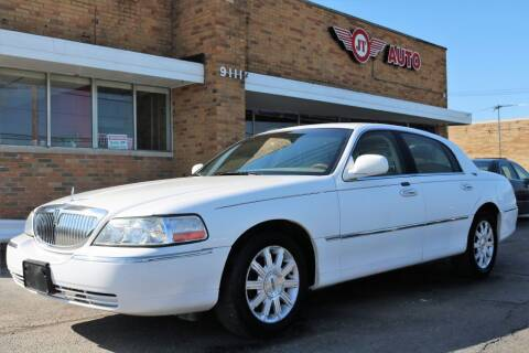 2007 Lincoln Town Car for sale at JT AUTO in Parma OH