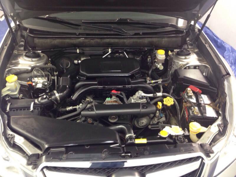 2011 Subaru Legacy AWD 2.5i Premium 4dr Sedan CVT - Eastlake OH