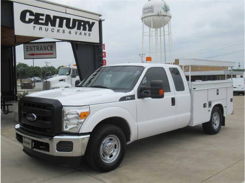 2015 Ford F-350 Super Duty for sale at CENTURY TRUCKS & VANS in Grand Prairie TX