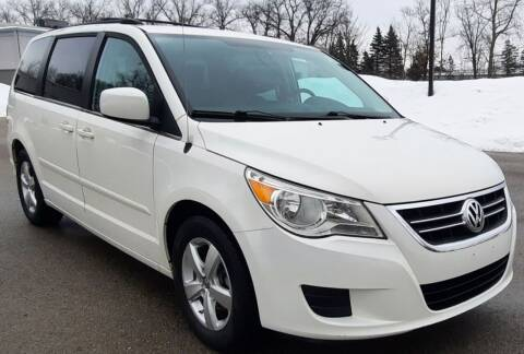 2009 Volkswagen Routan for sale at J & J Used Auto in Jackson MI