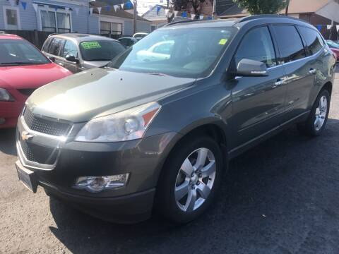 2010 Chevrolet Traverse for sale at American Dream Motors in Everett WA