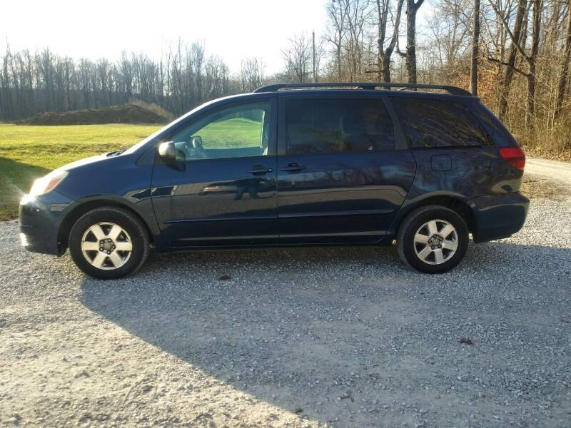 2005 Toyota Sienna for sale at Doyle's Auto Sales and Service in North Vernon IN