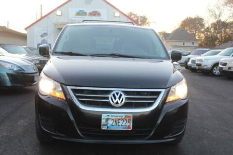 2012 Volkswagen Routan for sale at Rochester Auto Mall in Rochester MN