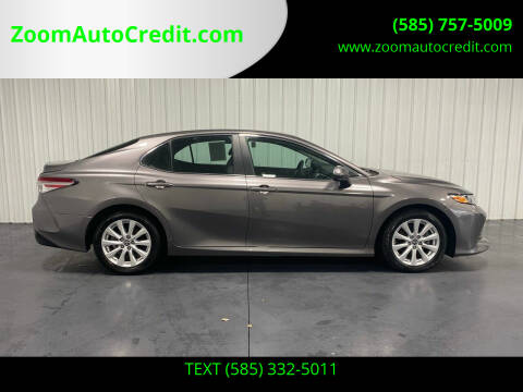 2018 Toyota Camry for sale at ZoomAutoCredit.com in Elba NY
