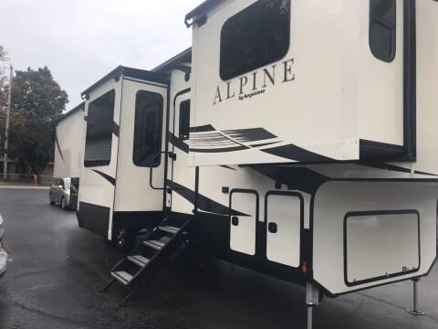 2018 Keystone Alpine for sale at Blue Bird Motors in Crossville TN