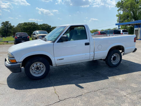 2001 Chevrolet S-10 for sale at Dave-O Motor Co. in Haltom City TX