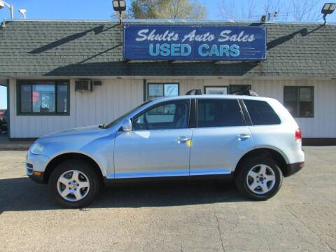 2006 Volkswagen Touareg for sale at SHULTS AUTO SALES INC. in Crystal Lake IL