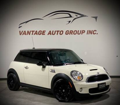 2010 MINI Cooper for sale at Vantage Auto Group Inc in Fresno CA