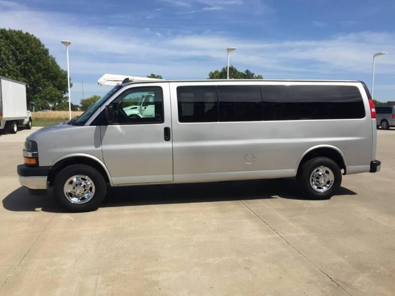 2018 Chevrolet Express Passenger LT 3500 3dr Extended Passenger Van - Urbandale IA