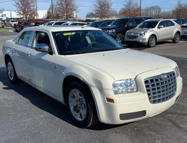 2008 Chrysler 300 for sale at The Bengal Auto Sales LLC in Hamtramck MI