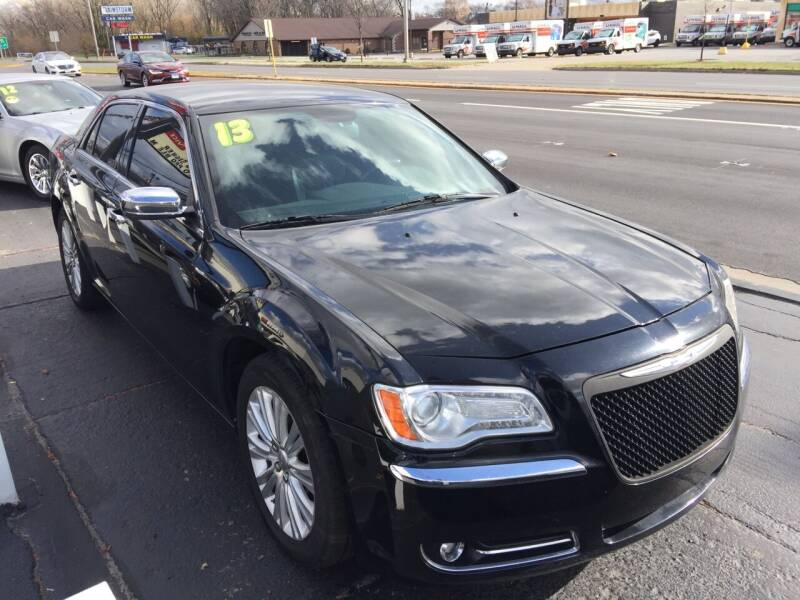 2013 Chrysler 300 for sale at ROUTE 6 AUTOMAX in Markham IL