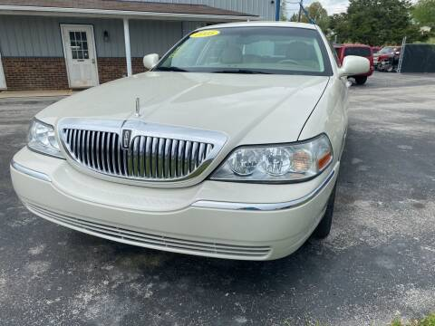 2005 Lincoln Town Car for sale at Holland Auto Sales and Service, LLC in Somerset KY