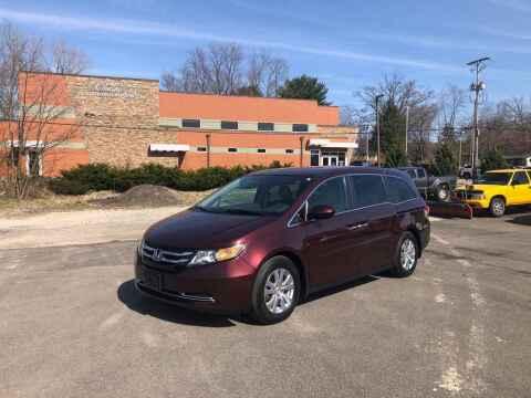 2015 Honda Odyssey for sale at DILLON LAKE MOTORS LLC in Zanesville OH