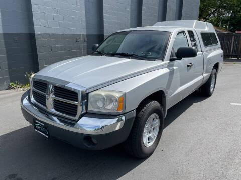 2005 Dodge Dakota for sale at APX Auto Brokers in Lynnwood WA