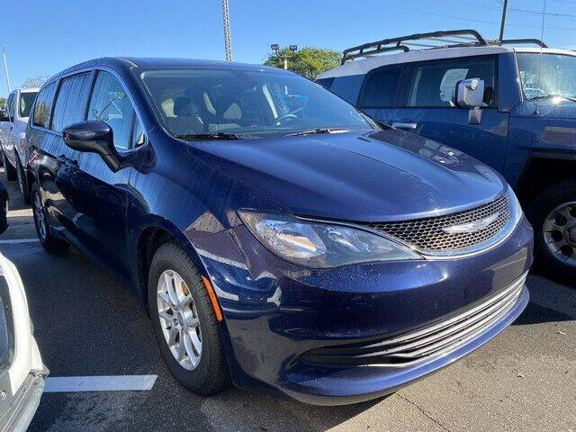 2017 Chrysler Pacifica for sale at SOUTHFIELD QUALITY CARS in Detroit MI