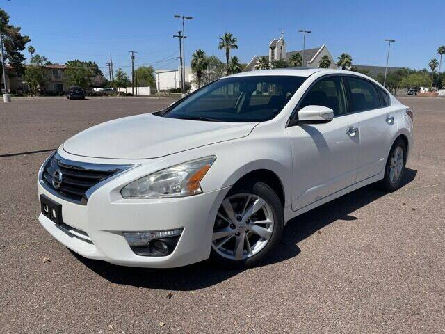 2014 Nissan Altima for sale at DR Auto Sales in Glendale AZ