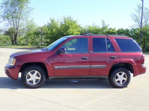 2004 Chevrolet TrailBlazer for sale at LANDMARK OF TAYLORVILLE in Taylorville IL