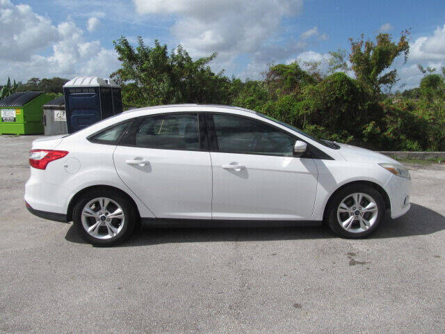 2014 Ford Focus SE 4dr Sedan - Orlando FL