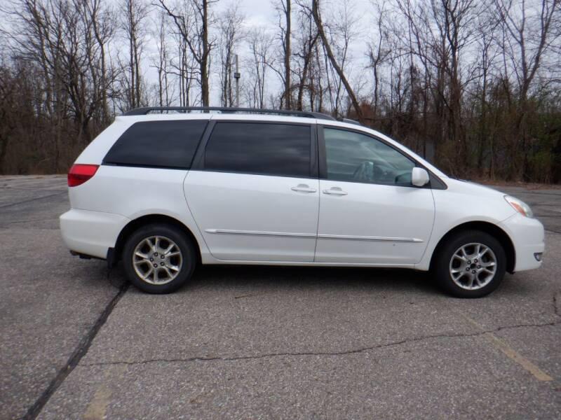 2005 Toyota Sienna for sale at Mobility Motors LLC - Vans in Battle Creek MI