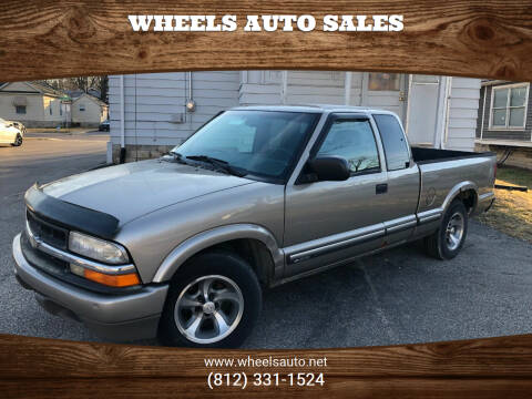 2001 Chevrolet S-10 for sale at Wheels Auto Sales in Bloomington IN