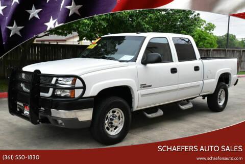 2004 Chevrolet Silverado 2500HD for sale at Schaefers Auto Sales in Victoria TX