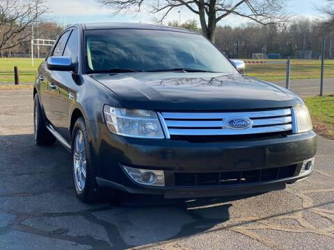 2009 Ford Taurus for sale at Choice Motor Car in Plainville CT