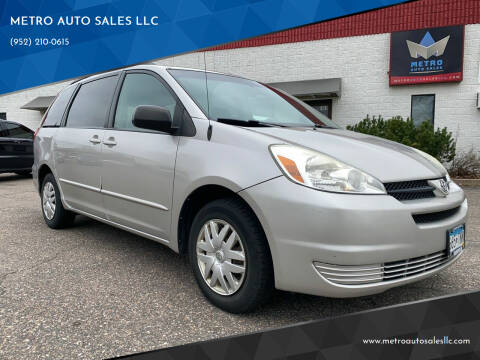 2004 Toyota Sienna for sale at METRO AUTO SALES LLC in Blaine MN