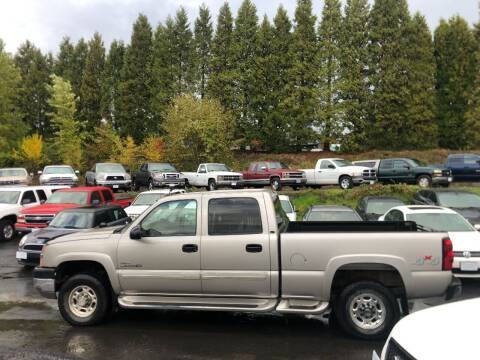 2004 Chevrolet Silverado 2500HD for sale at CLEAR CHOICE AUTOMOTIVE in Milwaukie OR