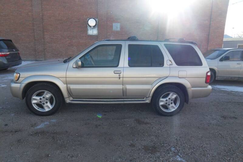 2001 Infiniti QX4 for sale at Paris Fisher Auto Sales Inc. in Chadron NE
