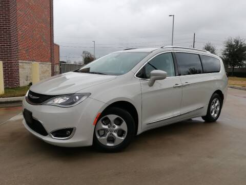 2017 Chrysler Pacifica for sale at AUTO DIRECT in Houston TX