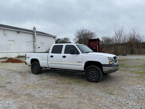 2004 Chevrolet Silverado 2500 for sale at Tennessee Valley Wholesale Autos LLC in Huntsville AL
