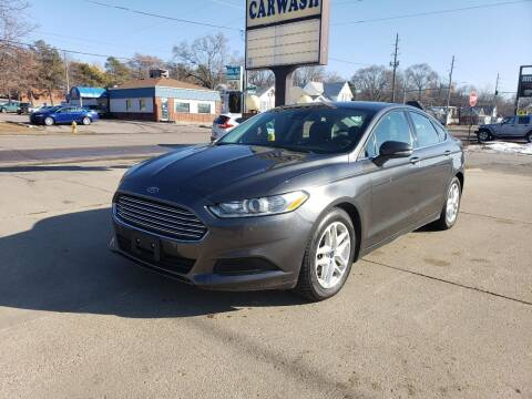 2016 Ford Fusion for sale at RIVERSIDE AUTO SALES in Sioux City IA