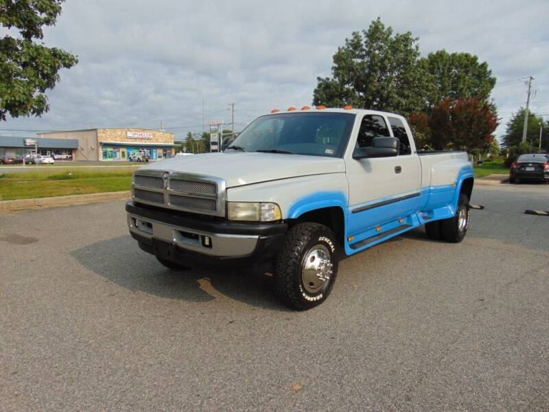 2001 Dodge Ram Pickup 3500 for sale at CR Garland Auto Sales in Fredericksburg VA