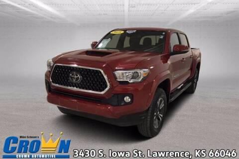 2018 Toyota Tacoma for sale at Crown Automotive of Lawrence Kansas in Lawrence KS