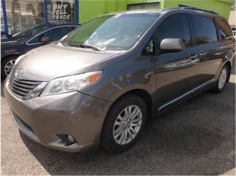 2013 Toyota Sienna for sale at Klean Carz in Seattle WA