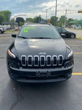2016 Jeep Cherokee for sale at Dream Auto Sales in South Milwaukee WI