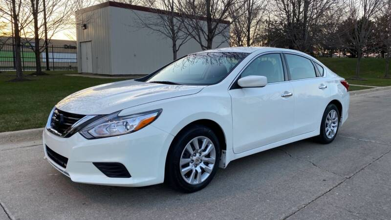 2017 Nissan Altima for sale at Western Star Auto Sales in Chicago IL