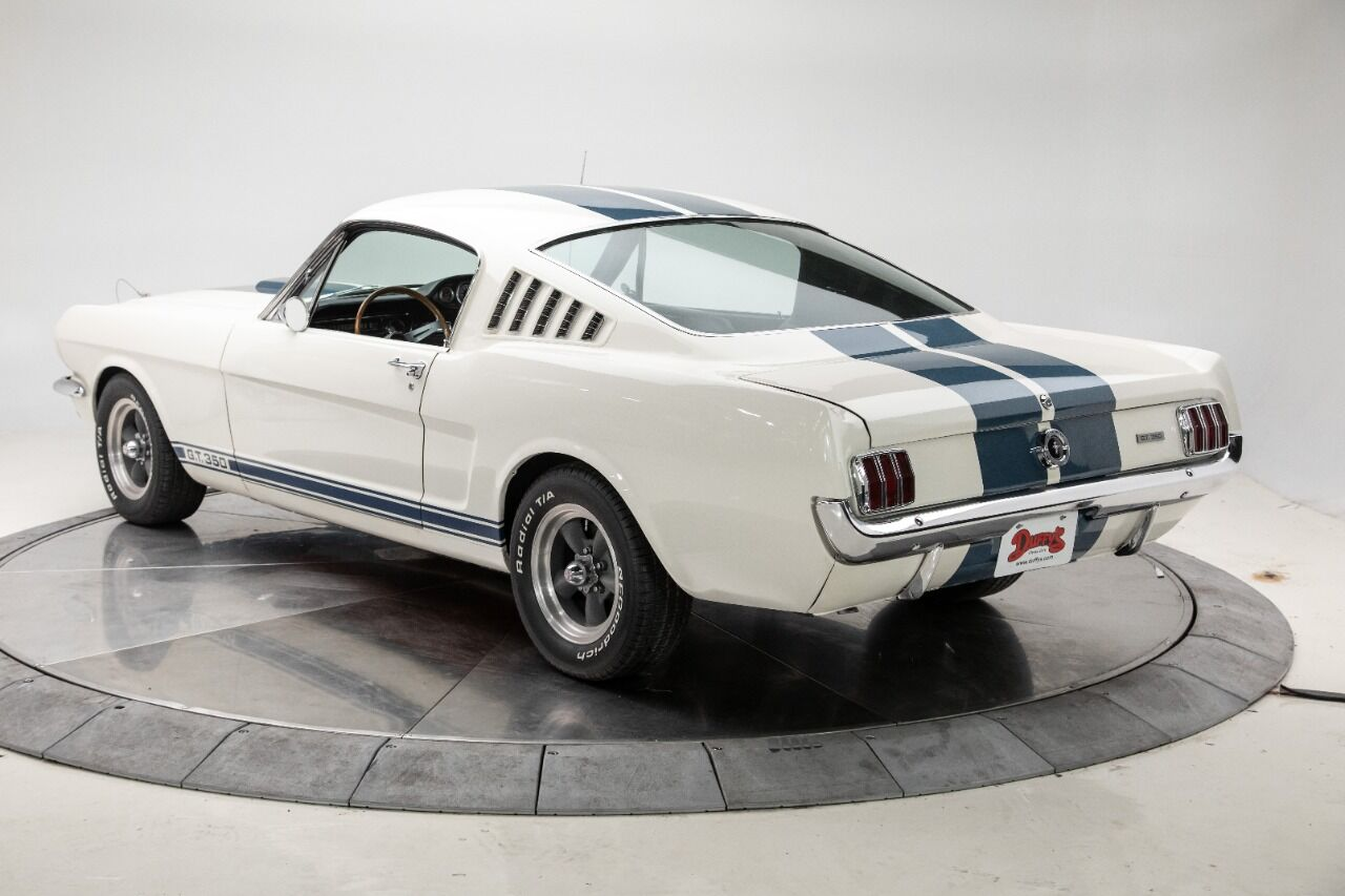 1965 Ford Mustang 4