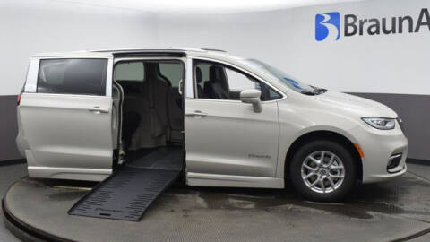 2021 Chrysler Pacifica for sale at A&J Mobility in Valders WI