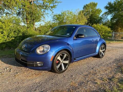 2013 Volkswagen Beetle for sale at CAVENDER MOTORS in Van Alstyne TX