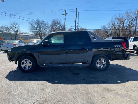 2002 Chevrolet Avalanche for sale at Dave-O Motor Co. in Haltom City TX