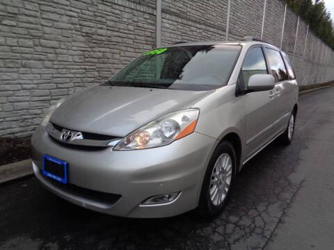 2008 Toyota Sienna for sale at Matthews Motors LLC in Algona WA