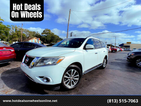 2014 Nissan Pathfinder for sale at Hot Deals On Wheels in Tampa FL