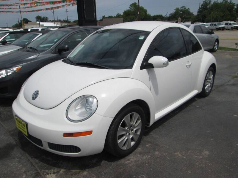 2010 Volkswagen New Beetle for sale at Pasadena Auto Planet in Houston TX