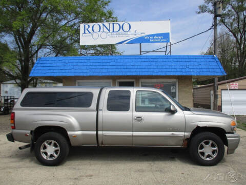 2003 GMC Sierra 1500 for sale at Rondo Truck & Trailer in Sycamore IL