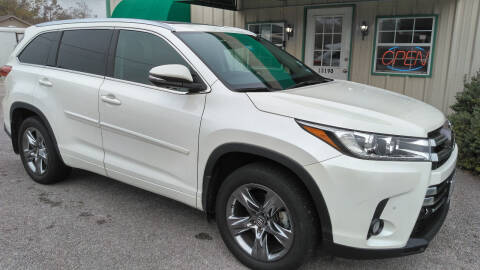 2017 Toyota Highlander for sale at Haigler Motors Inc in Tyler TX