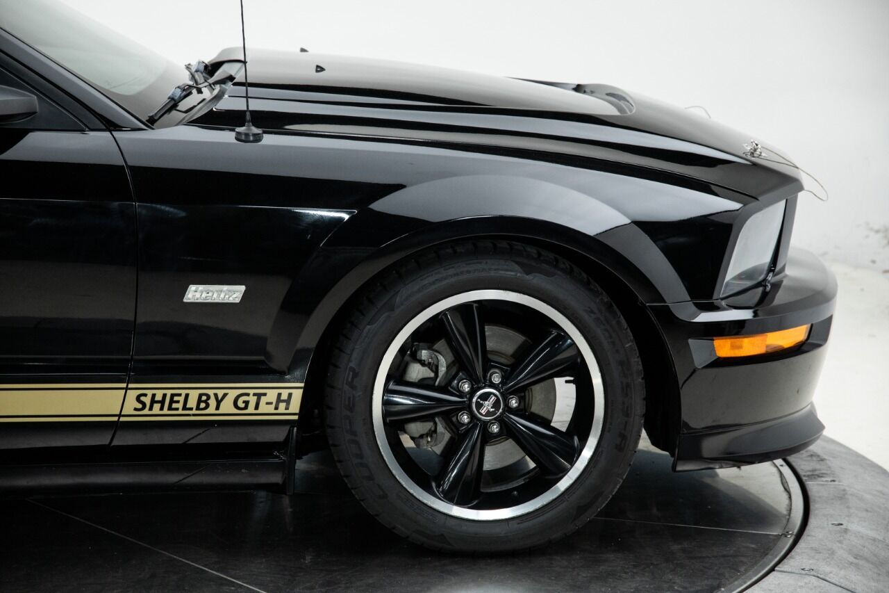2007 Ford Mustang 26